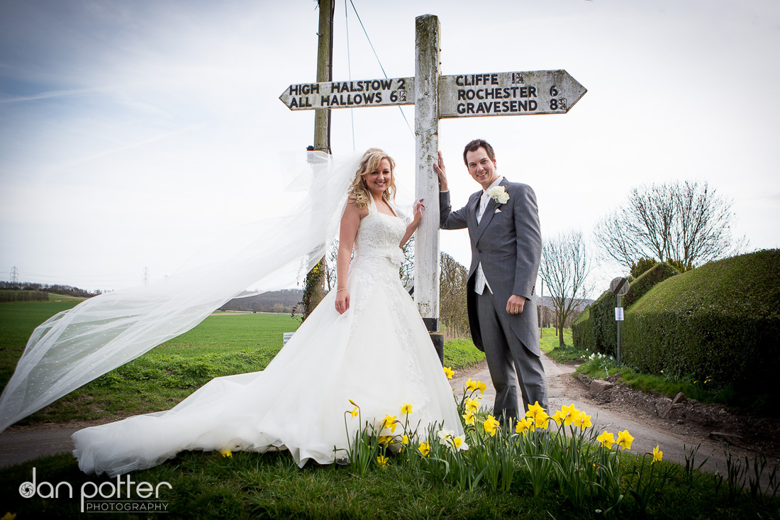 Dan Potter, Photography, Cooling Castle Barn, Kent, Rochester, wedding, weddings, photographer